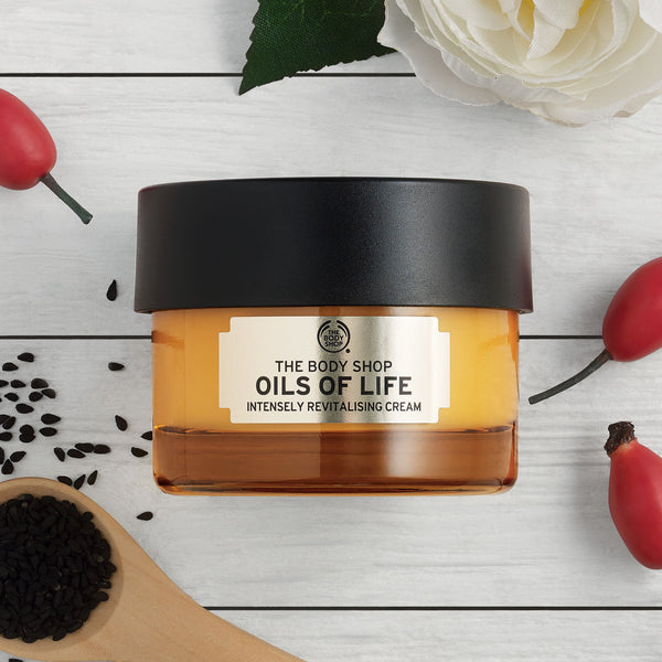 Oils of Life Intensely Revitalising Cream
