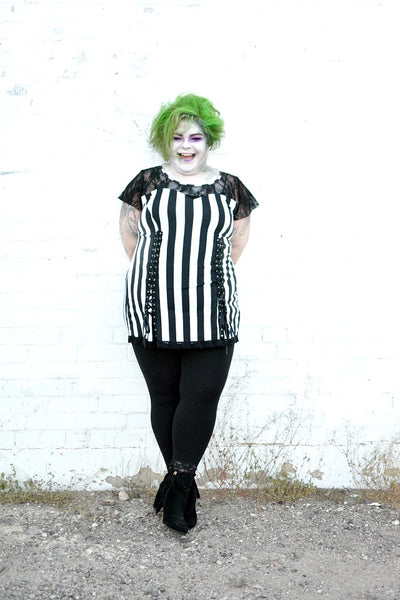 Jes Baker of themilitantbaker.com blog in Roxanne in Beetlejuice
