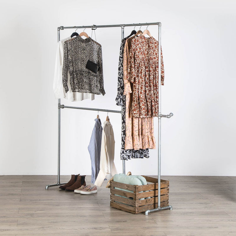 RAW58 Alma clothes rack in silver