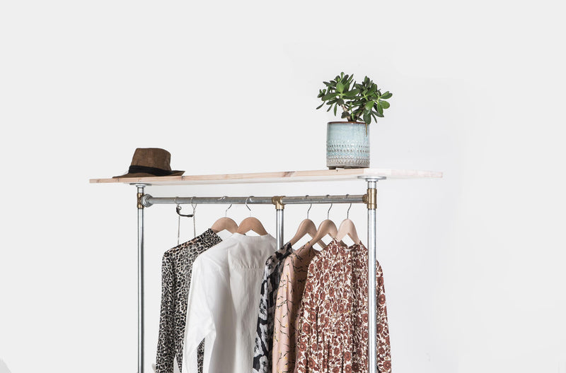 RAW58 Alma clothes rack in silver with shelf