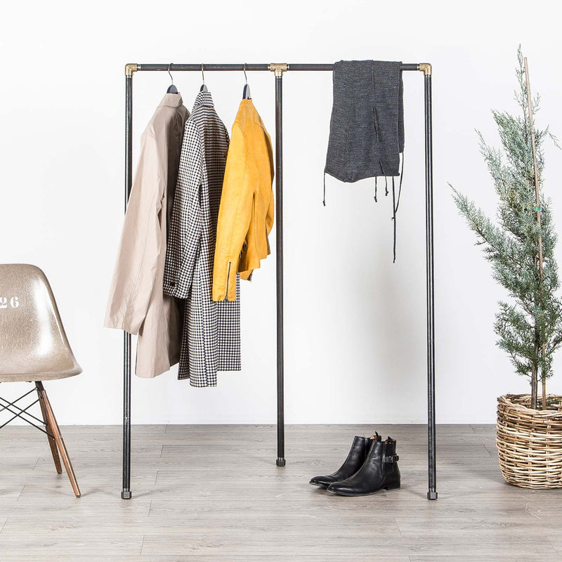 RAW58 Enzo clothes rack in black