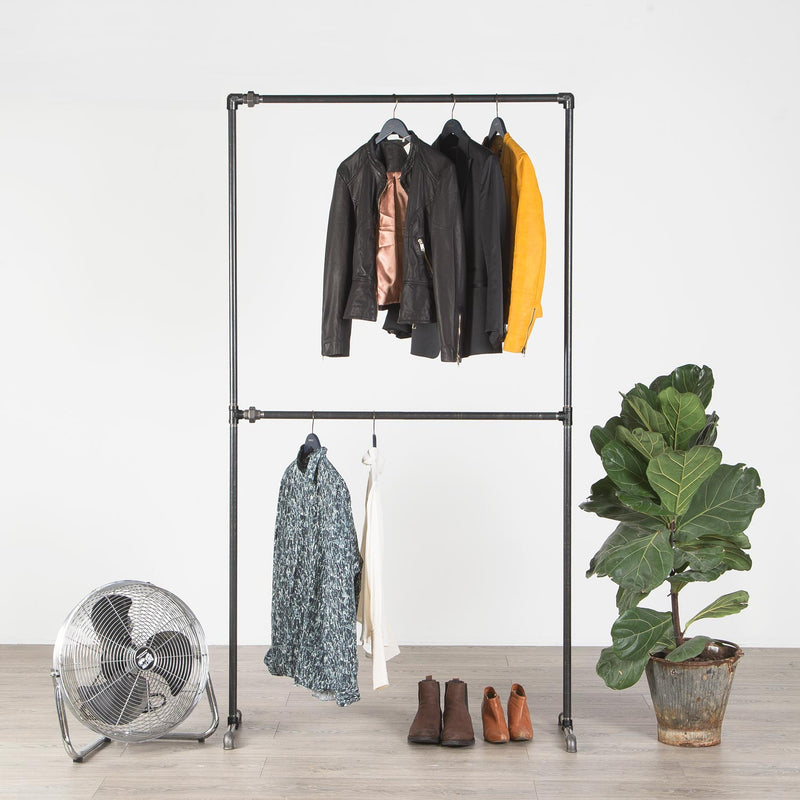 RAW58 Vincent clothing rack in black