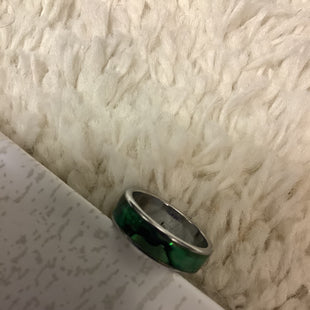 Primary Photo - BRAND:    CLOTHES MENTOR STYLE: RING COLOR: GREEN SKU: 210-210142-3847