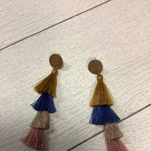 Primary Photo - BRAND:    CLOTHES MENTOR STYLE: EARRINGS COLOR: MULTI SKU: 210-210142-3760