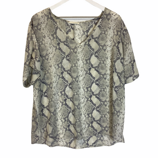 Primary Photo - BRAND: ENTRO STYLE: TOP SHORT SLEEVE COLOR: SNAKESKIN PRINT SIZE: M SKU: 210-210130-6038