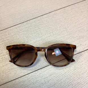 Primary Photo - BRAND:    CLOTHES MENTOR STYLE: SUNGLASSES COLOR: BROWN SKU: 210-210145-4362
