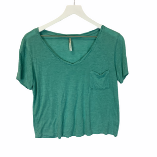 Primary Photo - BRAND: TRESICS STYLE: TOP SHORT SLEEVE COLOR: GREEN SIZE: M SKU: 210-210106-30430