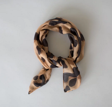 Load image into Gallery viewer, Sophie | Wild Mini Scarf camel
