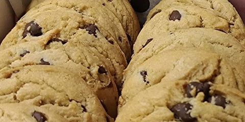 Spinola's Bake Shop Chocolate Chip Cookies (Chocolate, 18 Count)