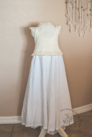 Ode Cream and White Fringe Size 6/8