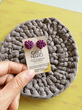 Upload image to gallery viewer, Aretes de retazos de vinil color morado