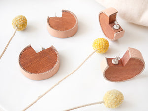 Wooden earrings with salmon leather
