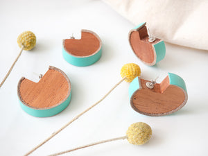 Wooden earrings with turquoise leather