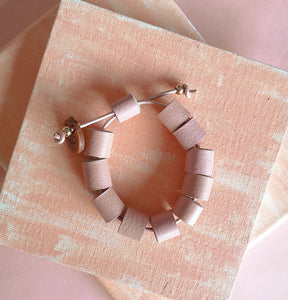 Tuquitos leather bracelet in salmon, adjustable