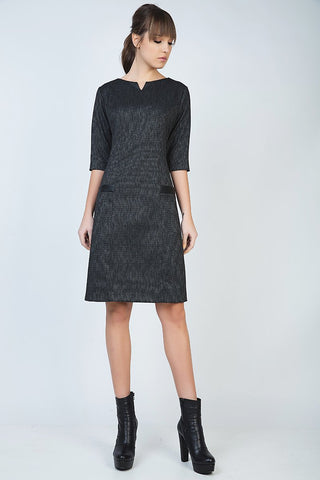 Conqunista - A Line Elbow Sleeve Dress