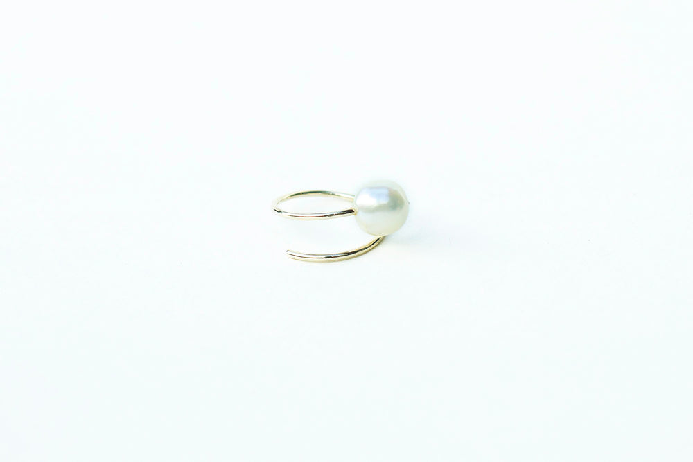 Load image into Gallery viewer, Grace Lee Baroque Pearl Coil Ring