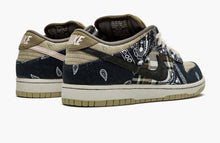 Load image into Gallery viewer, Refurbished Nike SB Dunk Low Sneakers `Travis Scott`