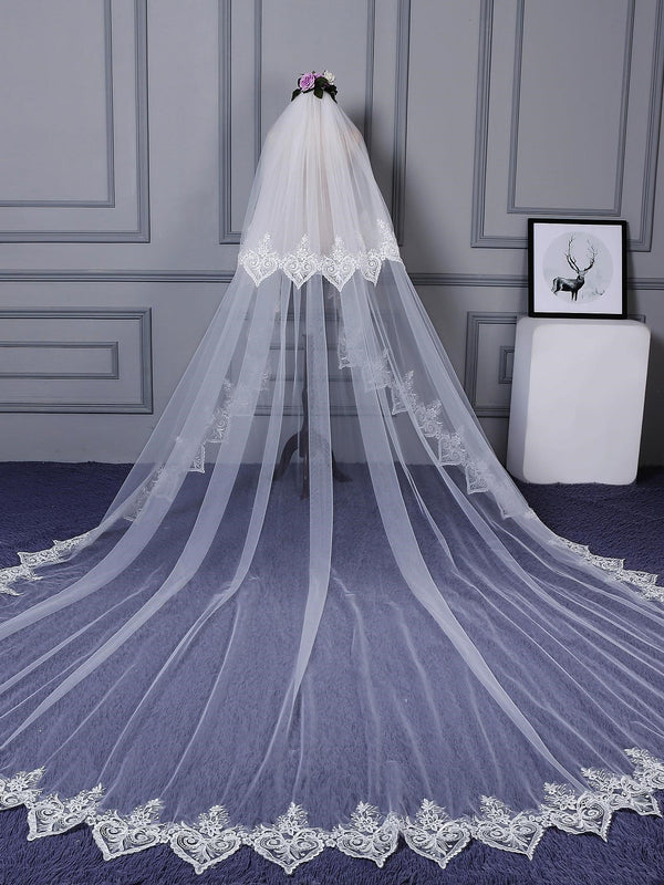 "Two-Layer Lace Edge Appliques Royal(≥144"") Wedding Veil"