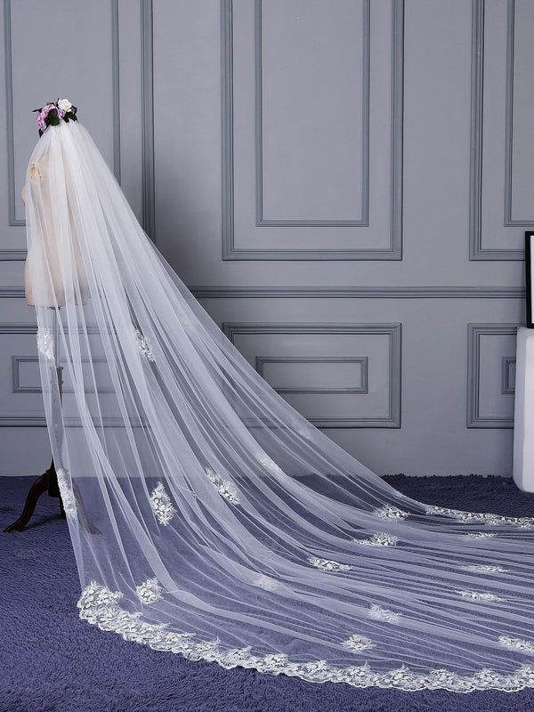 "Appliques Royal(≥144"") Applique Edge One-Layer Wedding Veil"