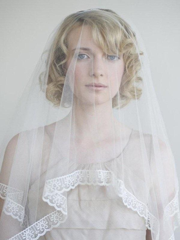 "Chapel(60""-90"") One-Layer Lace Lace Edge Wedding Veil"