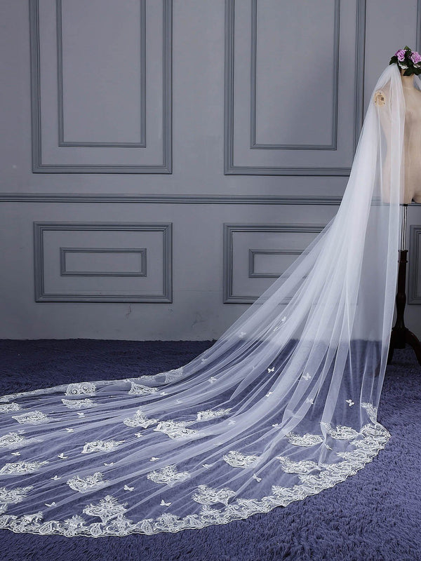 "One-Layer Royal(≥144"") Lace Edge Appliques Wedding Veil"