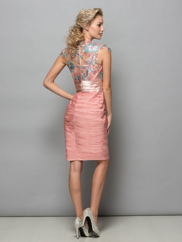 Scalloped-Edge Sequins Cap Sleeves Sheath/Column Cocktail Dress