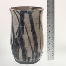 Load image into Gallery viewer, Lorenzen - Vase Raku Vase
