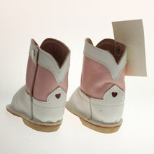 Load image into Gallery viewer, Mckee - Ittybittyboots White/Pink