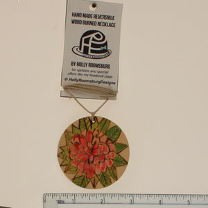 Roomsburg-Reversable Necklace-Red-Green