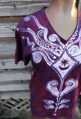 Kite Over Diamond Lake in Burgundy - Hand Crafted Batik Vneck Tee Batikwalla by Victoria