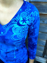 The Bluest Sky Handmade Batik Vneck Tee - Batikwalla   - 1