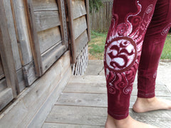 Red Earth Om and Batik Stars Leggings - Size Medium - Batikwalla   - 2
