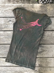 Hidden Fruit in Moss Green Mini Moonbeams Summer Tee - Size Large