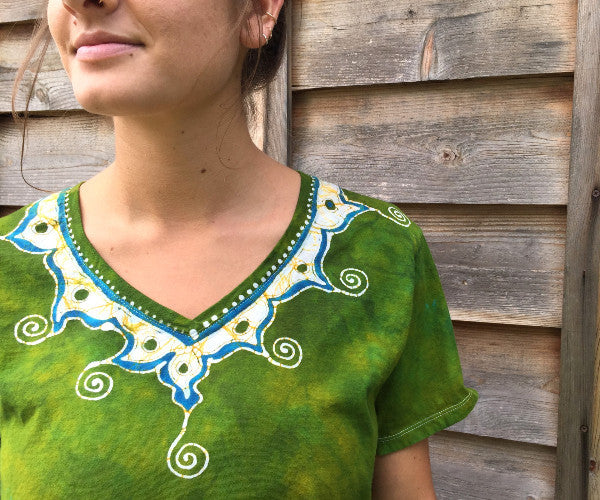 Dancing Green Meadow Batik Necklace Vneck - Size 5X - Batikwalla   - 1