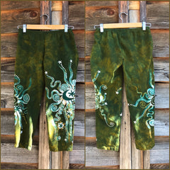 Dancing Green Batik CAPRI Leggings leggings batikwalla Small