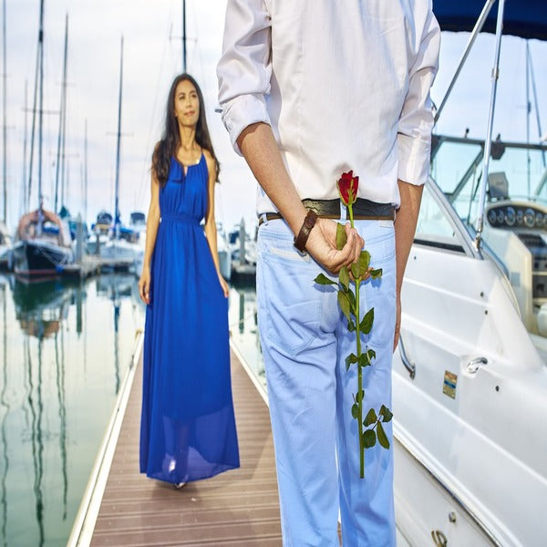 Romantic date with girlfriend for friendship day