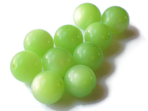 16mm Moonglow Lucite Beads Honeydew Green Beads Round Beads Vintage Beads Old New Stock Plastic Round Beads