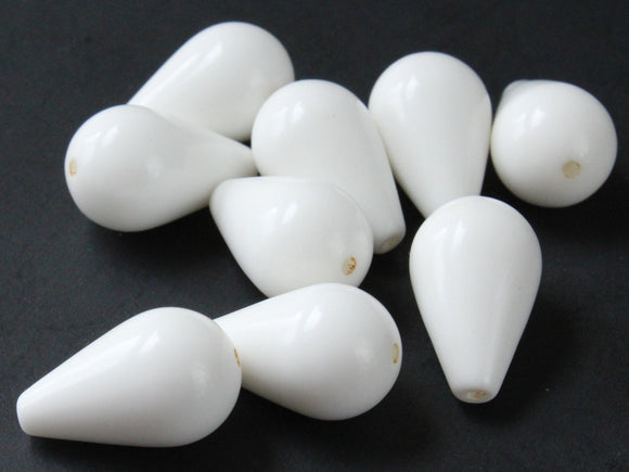 19mm White Teardrop Beads Vintage Plastic Bead Focal Beads Feature Beads Loose Beads Lightweight Beads Jewelry Making Beading Supplies