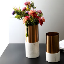 Load image into Gallery viewer, Resin Vase