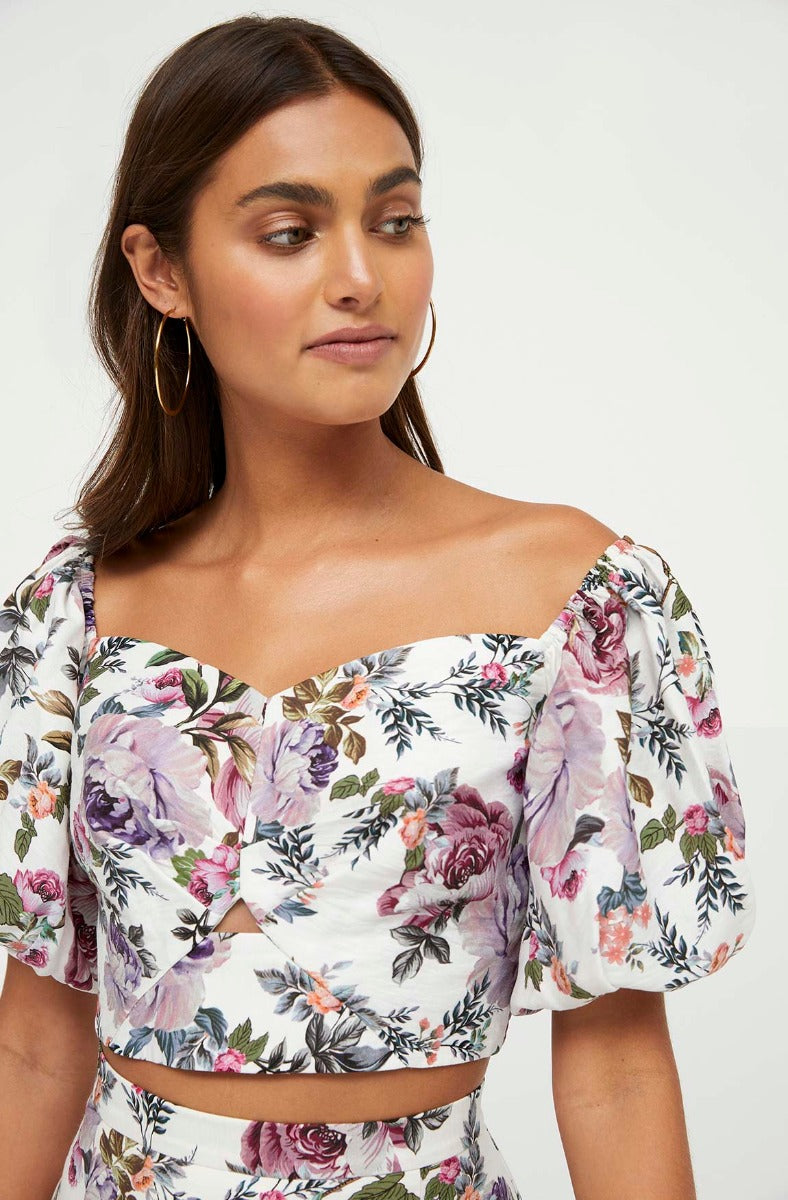 LILAC BLOOMS FLORAL TOP
