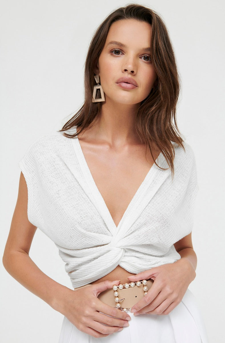 ESCAPE KNOT TOP