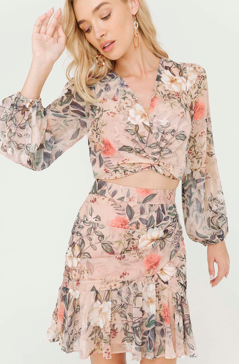 GARDEN OF EDEN FLORAL BLOUSE