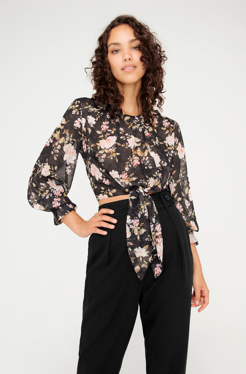 HEAVENLY ROSES BLOUSE