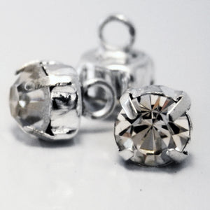 #0064 Claw diamonte shank button 7mm