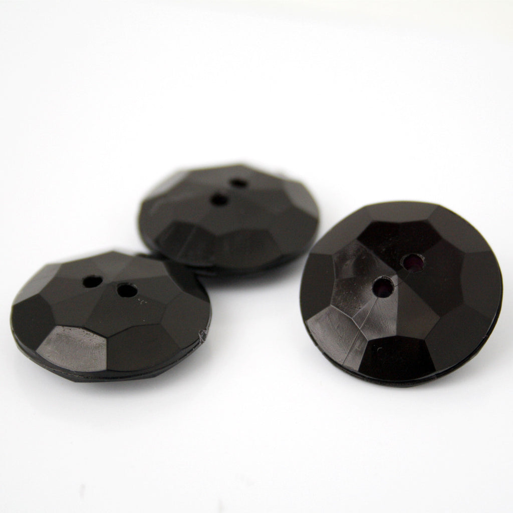 #0067 Round 2 hole facet button 20mm