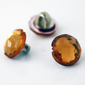 #0105 Glass facet amber shank button 9mm
