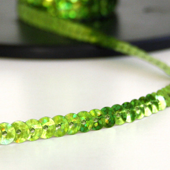 #2016 Single sequin trim lime green 6mm