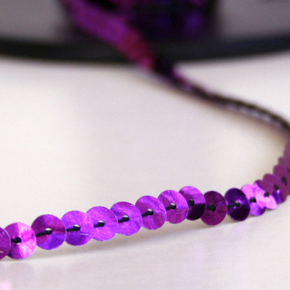 #2018 Single sequin trim purple 6mm