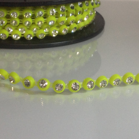#LT109 Dance Diamontes Trim Lime 7mm