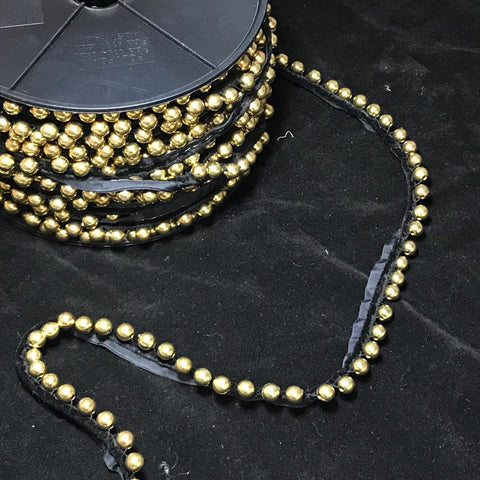 YT204992 Gold Beading on Black Velvet Piping